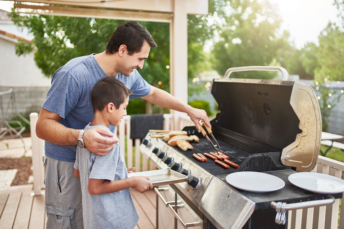 3 Grilling Tips for Your Memorial Day Party
