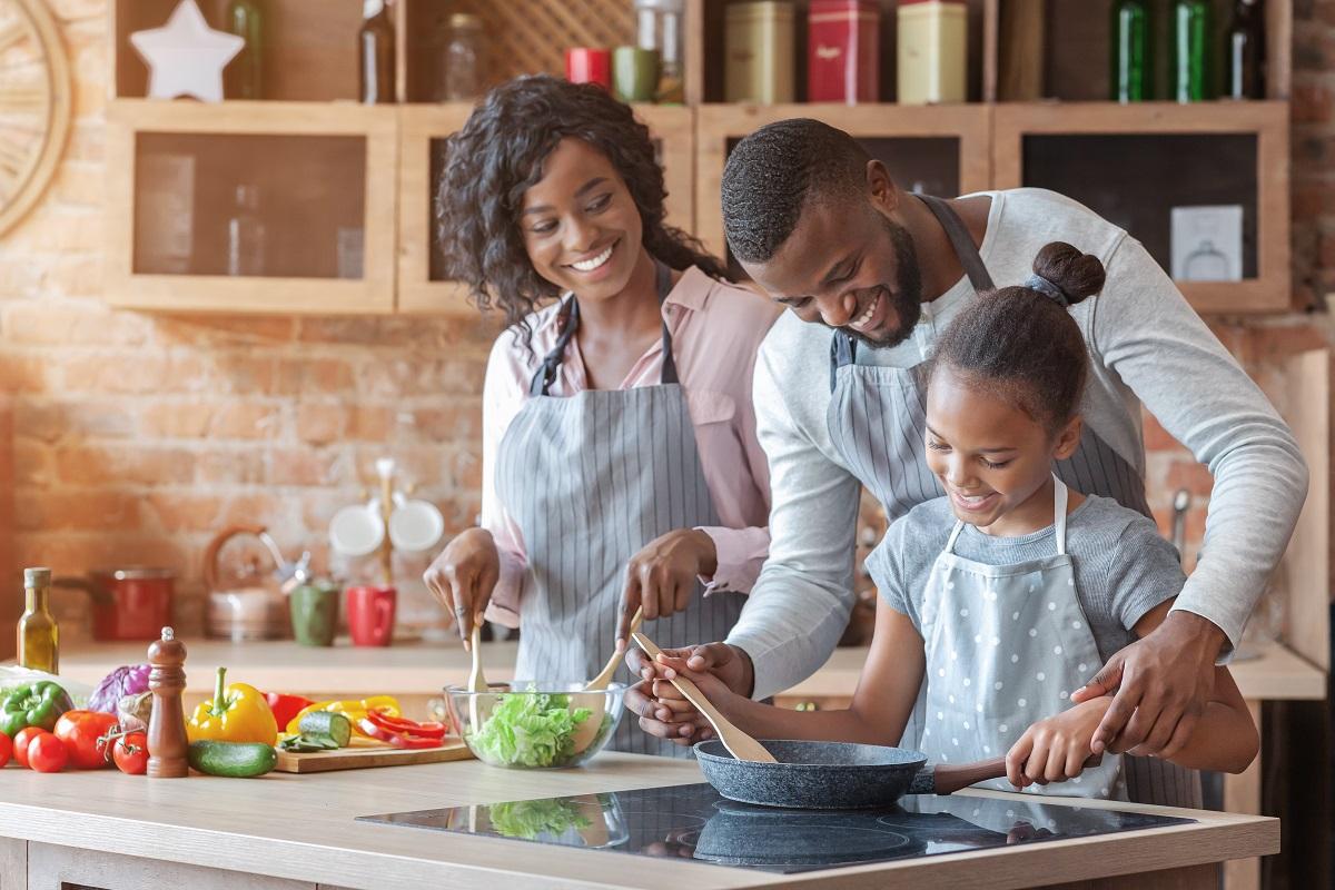 Healthy + Happy Holiday Eating Habits