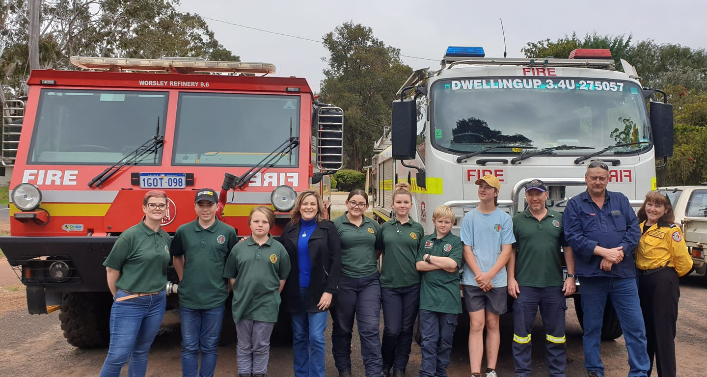 Member for Murray-Wellington visits Dwellingup Volunteer Bush Fire Brigade