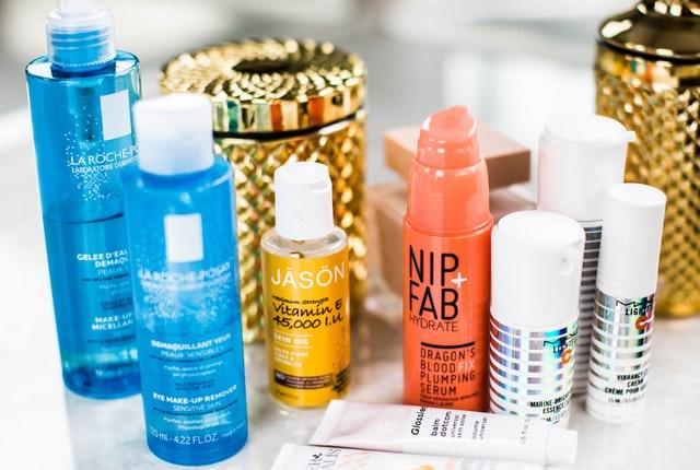 【保養小知識】卸妝乳/水/油/霜/凝膠…卸妝產品怎麼挑,才能不傷皮膚又乾淨?還不容易冒粉刺?