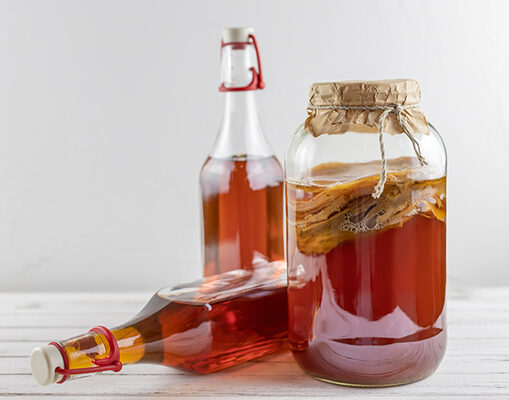 《保養成分研究室》抗癌、護膚加排毒?風靡歐美名人的「康普茶」到底在紅什麼?