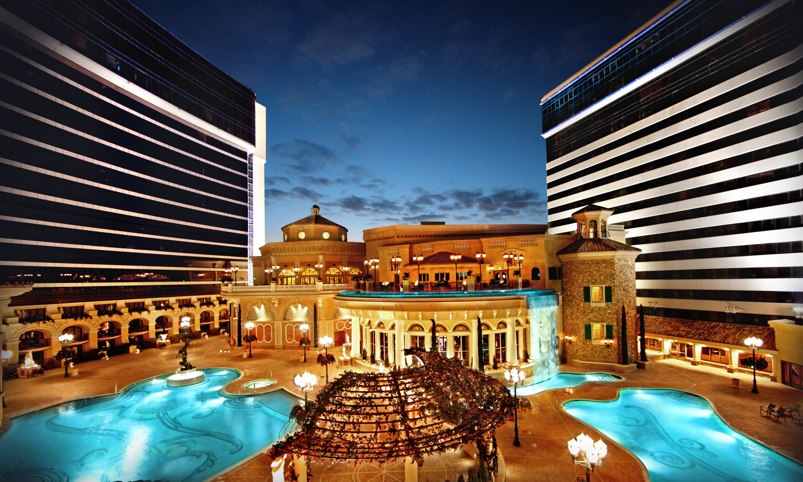 Vegas Style Luxury at the Peppermill Resort in Reno