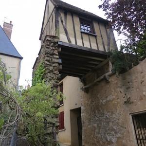 1.Le Mans Small House