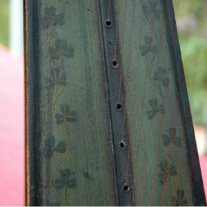 irish-harp-close-up