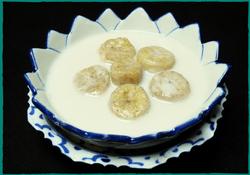komol-thai-restaurant-banana-in-sweet-coconut-milk