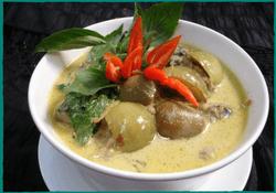 komol-thai-restaurant-green-curry