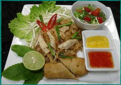 komol-thai-restaurant-lunch-special-pad-thai