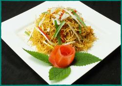 komol-thai-restaurant-mee-krob