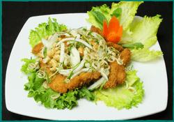 komol-thai-restaurant-red-snapper-salad