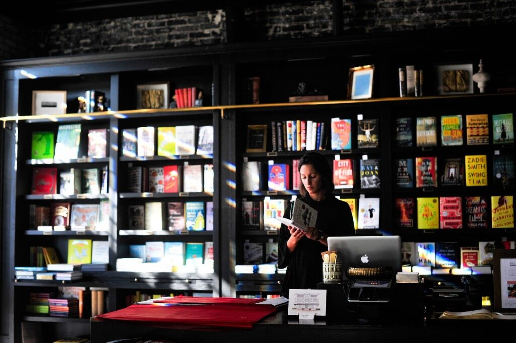 How Virtual Book Cons Created a New Way To Celebrate Books