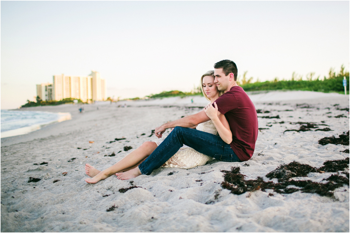 Jupiter_Beach_engagement_photography_16