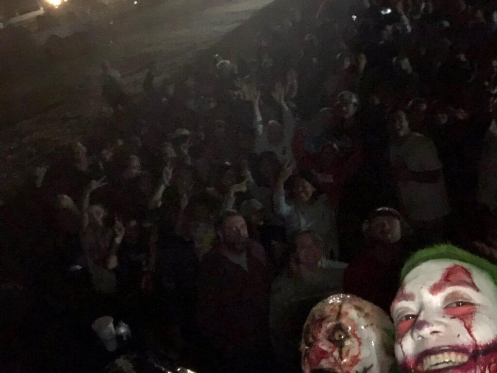 Crowd sceen Julio