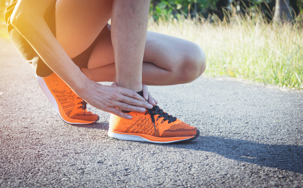 Do you have ankle pain when walking but there's no swelling?