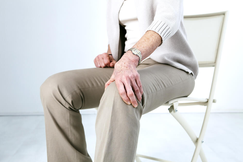 What happens if you don't do physical therapy after knee surgery? Four potential risks