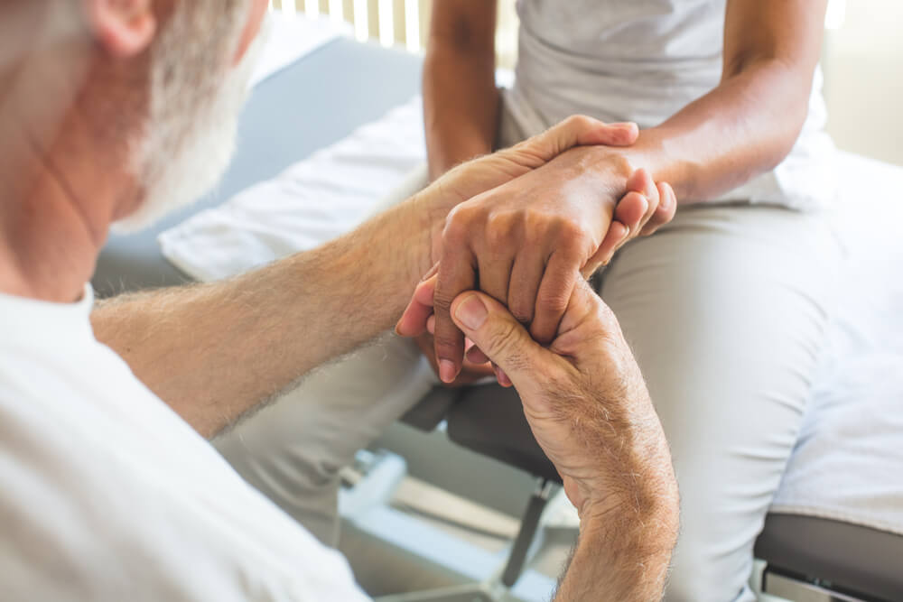 Three tips for tackling early signs of finger arthritis