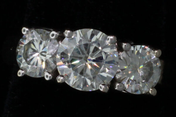 3 Diamond ring