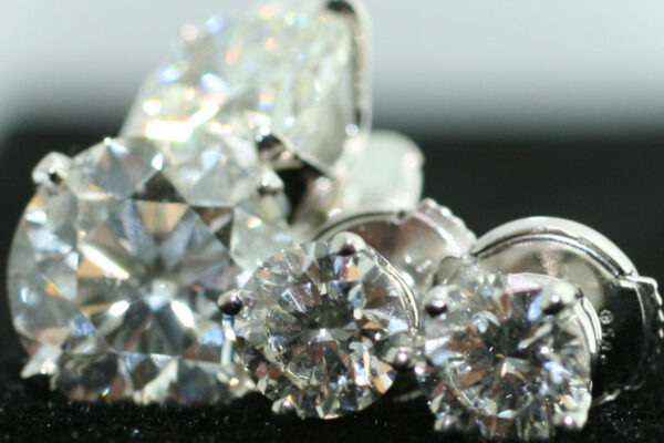 stud diamonds