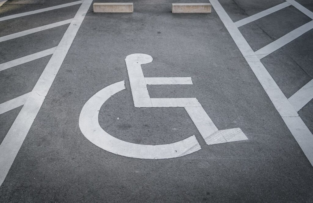 disabled-parking-sign-on-pavement