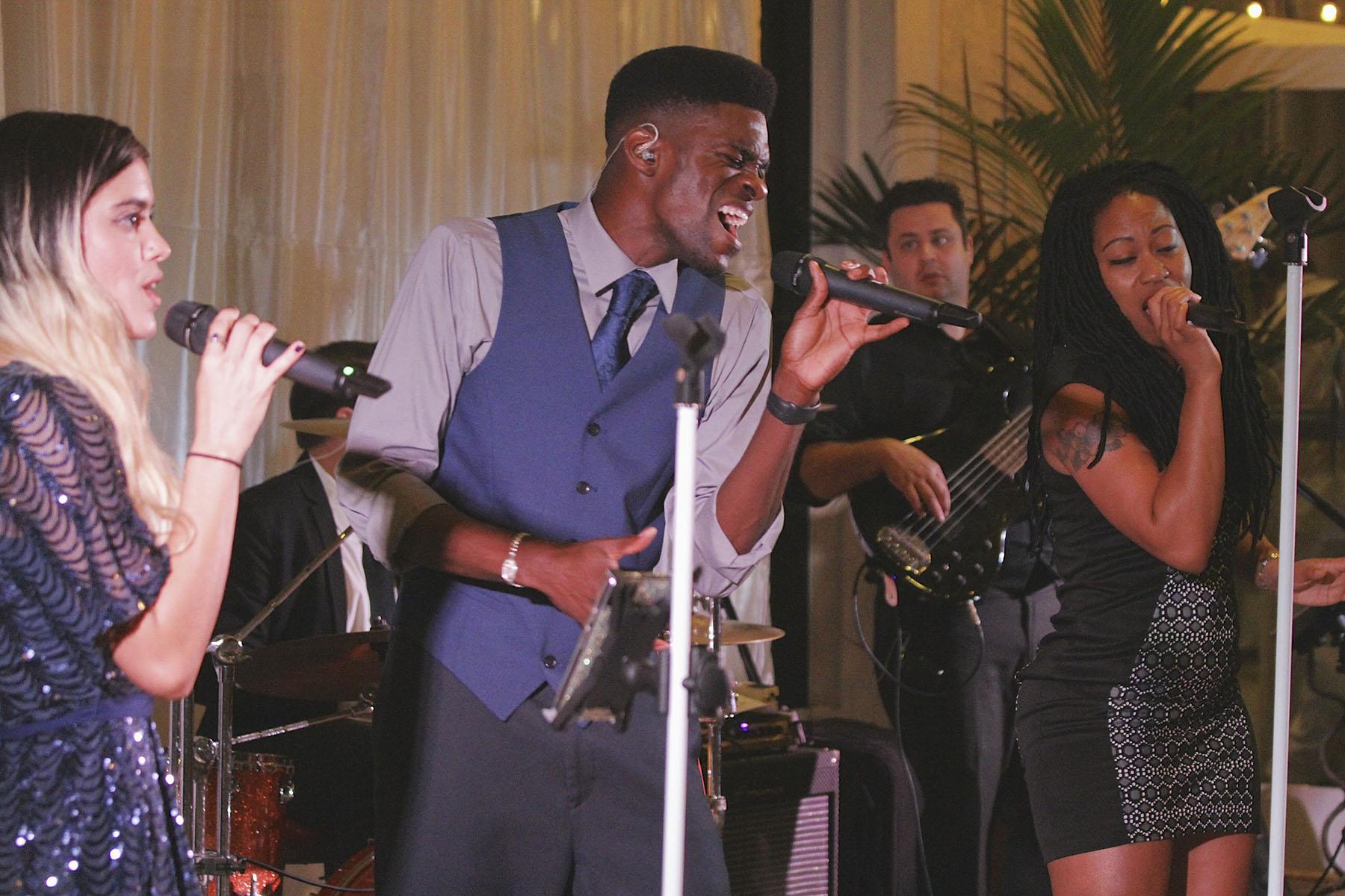 Front Wedding Singers