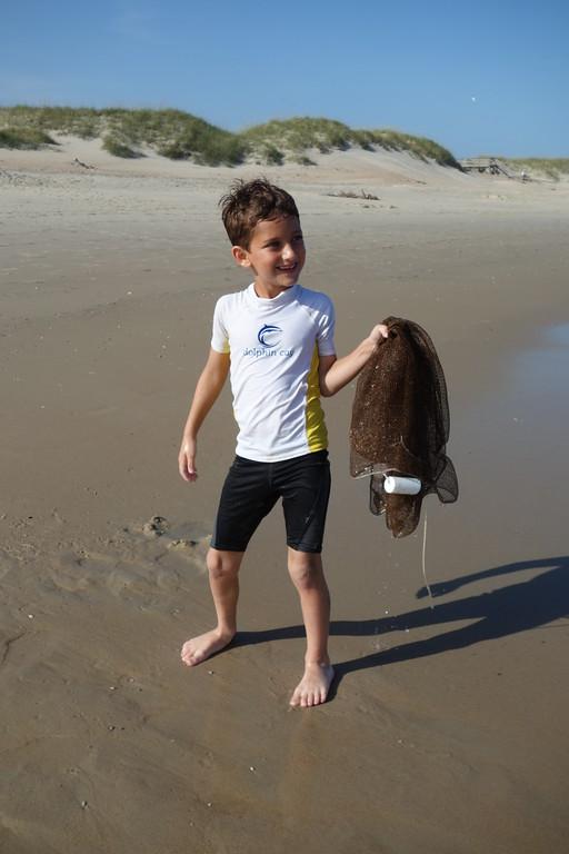 Tuna with a net - clamming!