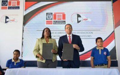 """ADP y Ministerio de Educación logran acuerdo """"por más y mejor educación"""""""