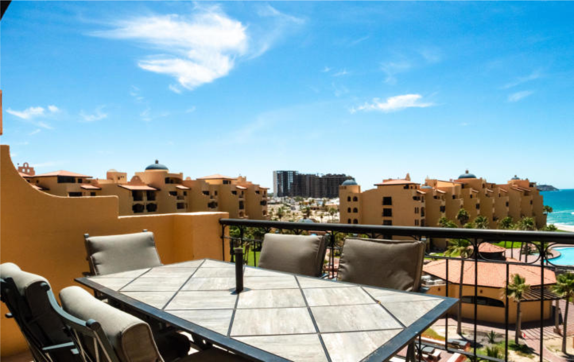 Beautifully Remodeled Penthouse Suite 7
