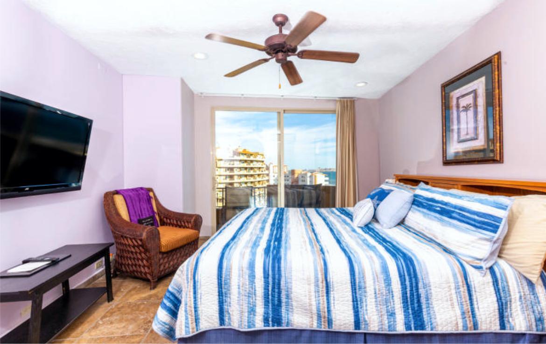 Completely Remodeled Seaside Luxury Penthouse 10