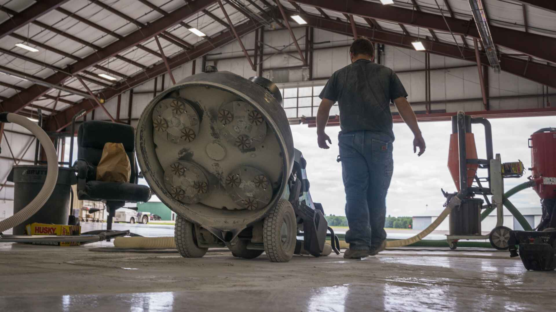 Nashua Aircraft Hangar. Epoxy Removal Job.