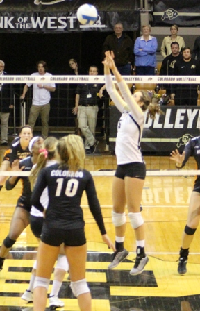 Colorado volleyball - Nicole Edleman and Cierra Simpson - learning by teaching