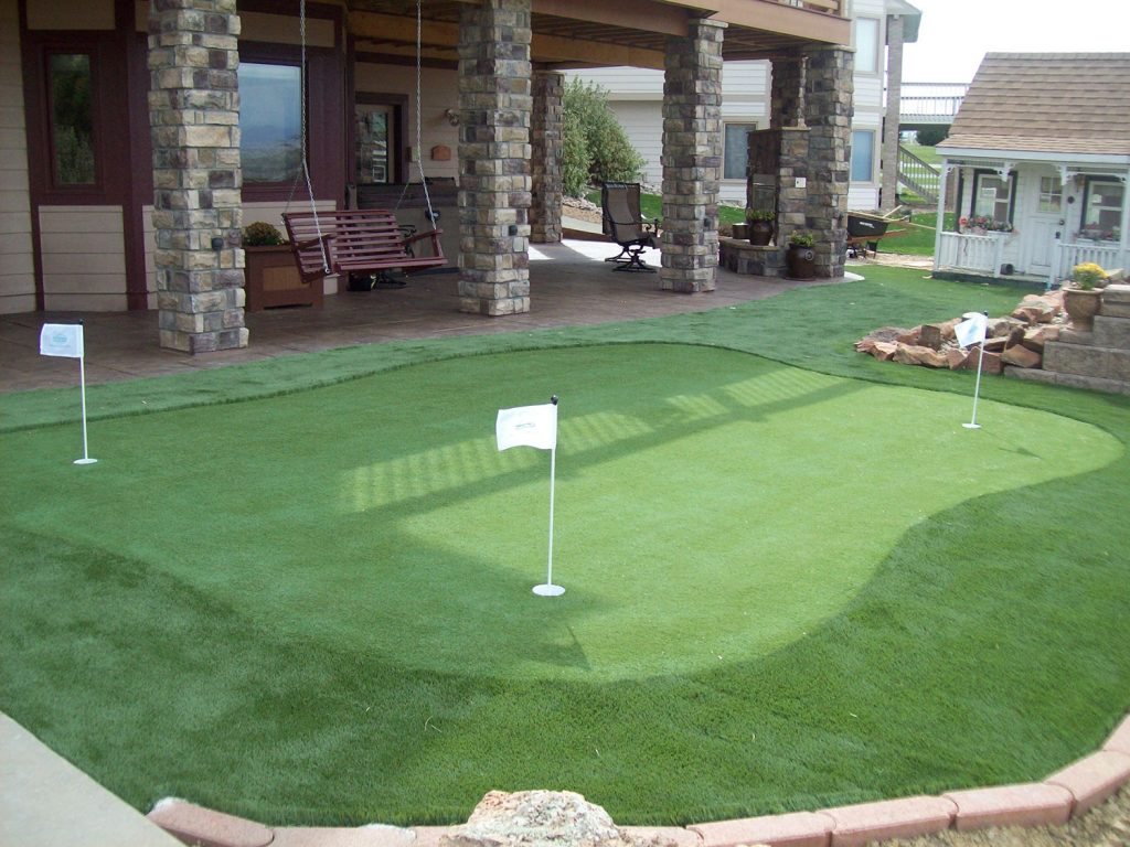 Artificial turf for golf putting green
