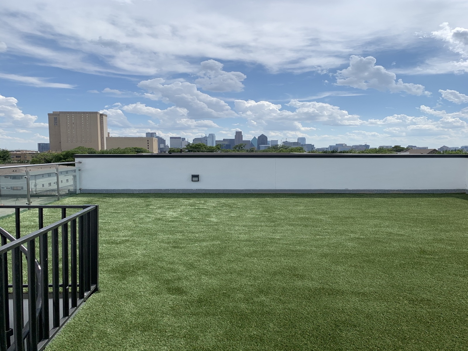 Artificial turf on a rooftop in Dallas
