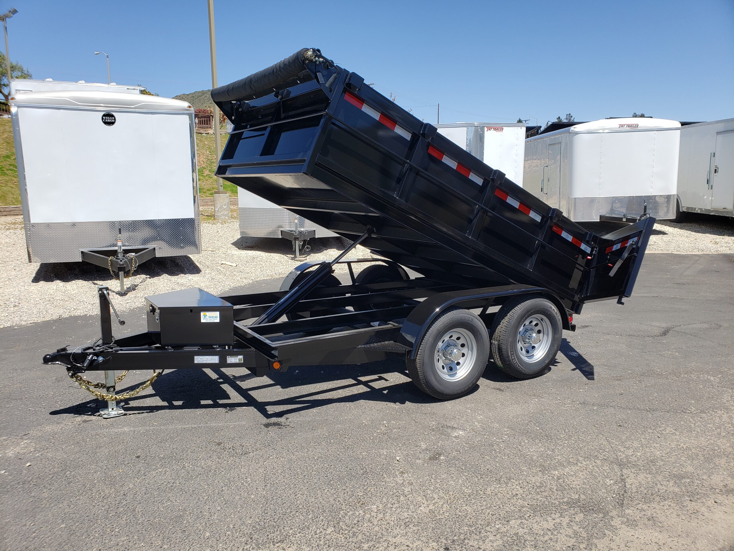 Five Star 6.5x10 10k Dump2ft - Driver side front 3/4 view bed dumped