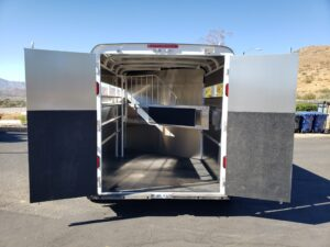 Maverick 2-Horse H/S D/D - Rear view doors open