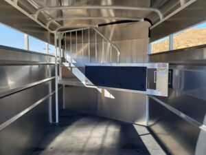 Maverick 2-Horse H/S D/D - Closeup of entire stall area