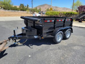 Five Star 5x8 7K Dump2ft - Front driver side 3/4 view