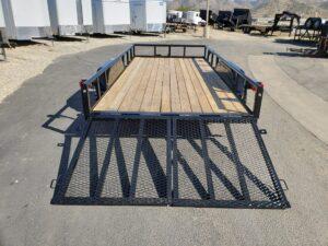 Texas Bragg 16LP SP/TG - Rear view both ramp gates down