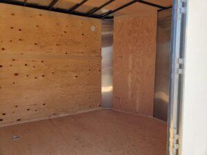 TNT 8.5x24 XPRS V-Nose10K - Closeup through side door