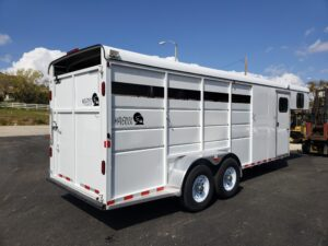Maverick 4-Horse Highside G/N - Passenger side rear 3/4 view