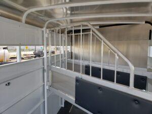 Maverick 3-H Highside DD - Closeup of stall area & dividers
