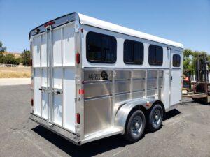 Maverick Lite 3-H DLX - Passenger side rear 3/4 view