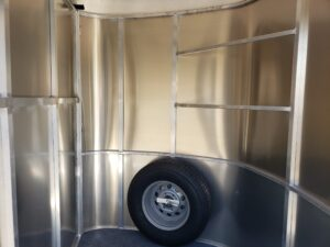 Maverick Lite 3-H DLX - Close up of tack room with blanket bars & mounted spare