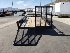 Texas Bragg 18ft SP/TG - Rear view one ramp down & one up