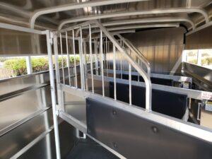 Maverick 4-Horse Highside - Closeup of stall dividers