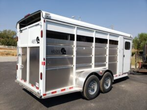 Maverick 4-Horse Highside - Passenger side rear 3/4 view
