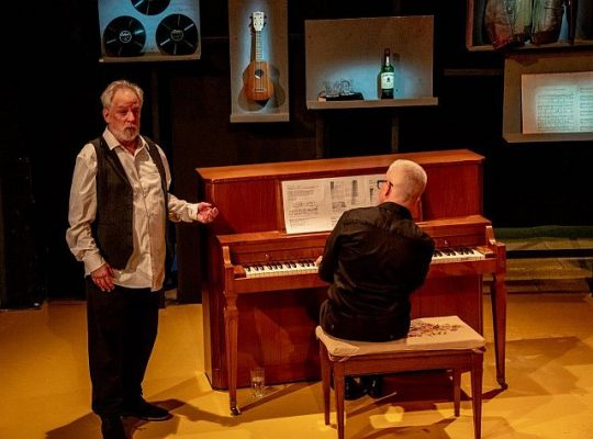 Ross Lehman with pianist Chuck Larkin n Sentimental Journey at Citadel Theatre. (Photo by North Shore Camera Club)
