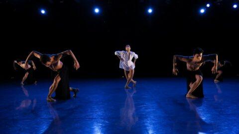 Anais Bueno and ensemble in Yoshihisa Arai's 'Boléro.' (Photo courtesy of The Joffrey Ballet.)