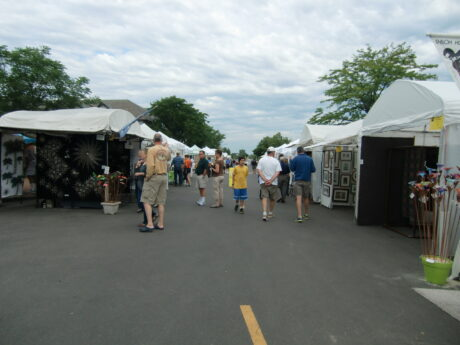 Several art and craft fairs, such as this one recently held in Lake Forest's Market Square are still scheduled for Fall 2021. (J Jacobs photo)