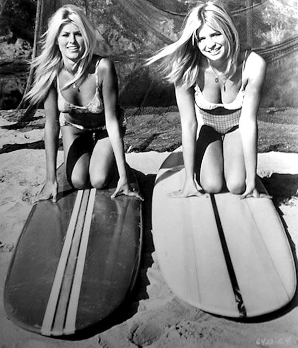 learning to surf 1960s two blondes