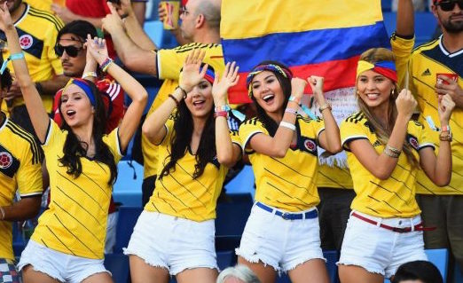 four babes from paraguay dancing around