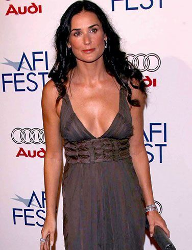 demi moore cleavage on the red carpet